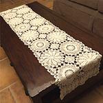 chemin-de-table-rectangulaire-au-crochet-coton-beige