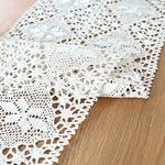 chemin-de-table-au-crochet-pour-noel-blanc
