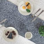 chemin-de-table-style-japonais-motifs-vagues-bleu