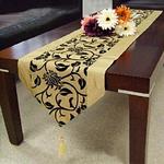 chemin-de-table-motif-arabesque-vintage