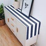 chemin-de-table-raye-bleu-et-blanc-motifs