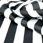 chemin-de-table-raye-noir-et-blanc-bandes