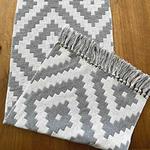 chemin-de-table-motif-geometrique-losange