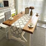 chemin-de-table-motif-geometrique-carreaux-gris-blanc