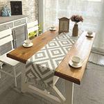 chemin-de-table-motif-geometrique-losange-gris-blanc
