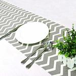 chemin-de-table-chevron-gris-moderne