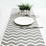 chemin-de-table-chevron-gris-fantaisie