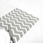 chemin-de-table-chevron-gris-motifs