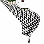 chemin-de-table-noir-et-blanc-zig-zag-fantaisie