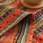 chemin-de-table-motif-ethnique-colore