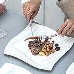 assiettes-plates-en-porcelaine-carrees