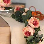 Chemin-de-table-en-fleurs-artificielles-pas-cher