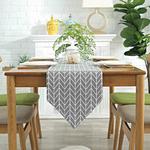 chemin-de-table-style-scandinave-chevrons