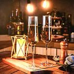 flutes-a-champagne-en-cristal-moderne-nouvel-an