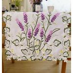 chemin-de-table-lavande-en-fleur