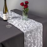 chemin-de-table-en-fleurs-artificielles-st-valentin