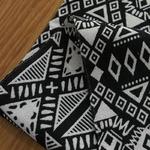 chemin-de-table-azteque-anniversaire-noir-blanc