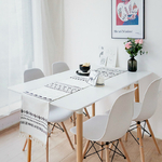chemin-de-table-nordique-blanc-moderne