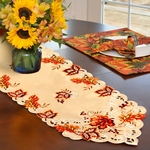 chemin-de-table-automne-feuilles-anniversaire-orange