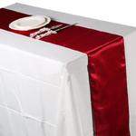 chemin-de-table-satin-bordeaux-mariage-moderne