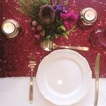 chemin-de-table-sequin-rouge-reception