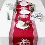 chemin-de-table-noel-scandinave-rouge
