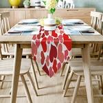 Chemin-de-table-saint-valentin-coeurs-rouges-passion