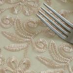 chemin-de-table-dentelle-beige