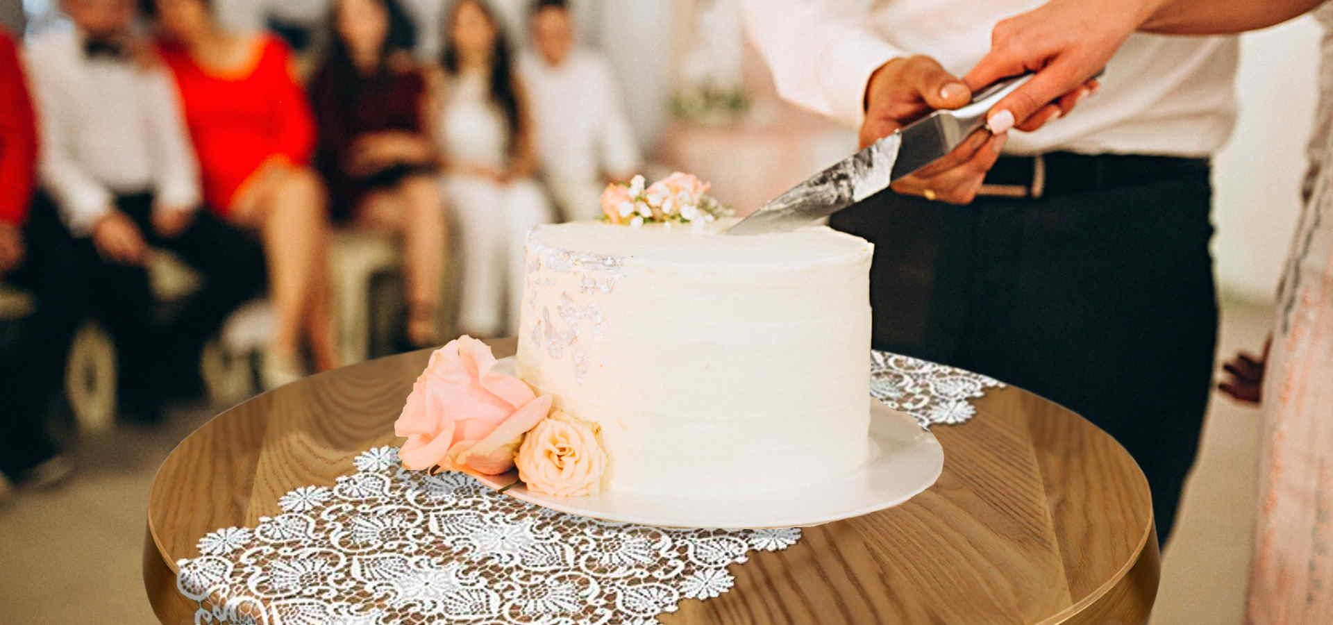 decoration-de-table-en-dentelle-pour-mariage