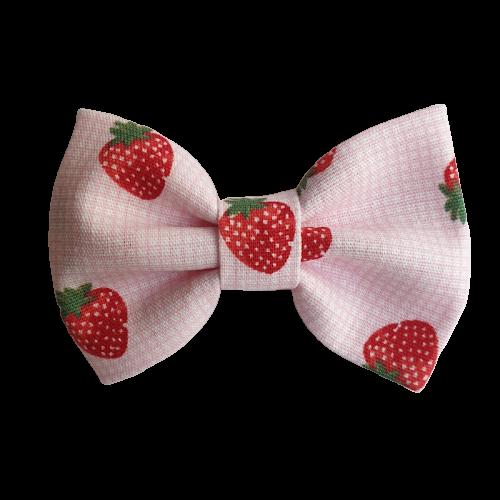 Barrette anti glisse couleur rose motif fraise