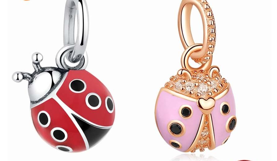 Charm pendentif coccinelle rose ou rouge