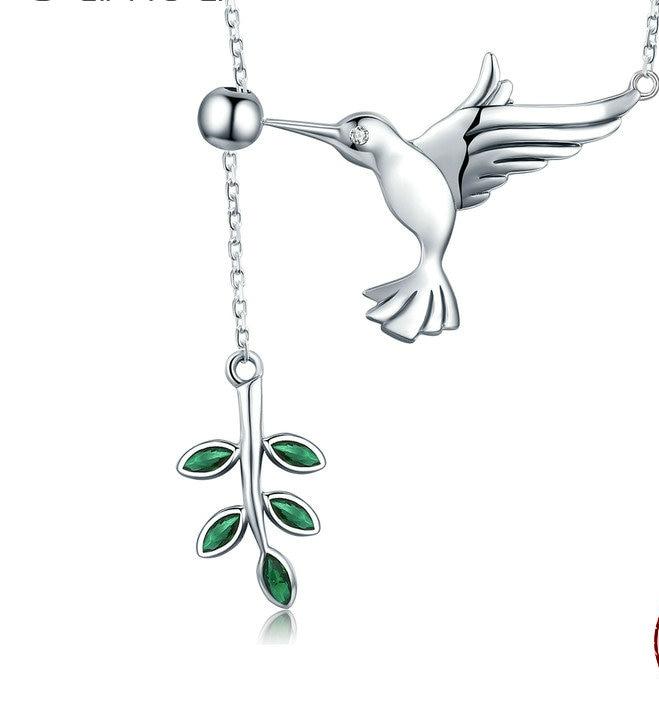 Collier colibri symbole en argent