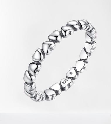 Bague anneau cœurs en argent