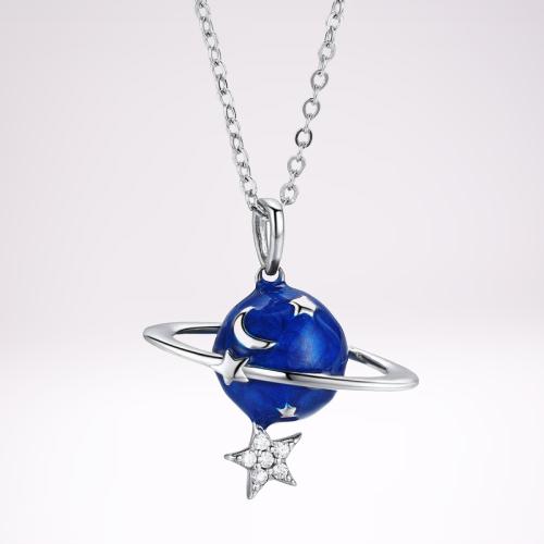 Collier planète et étoiles