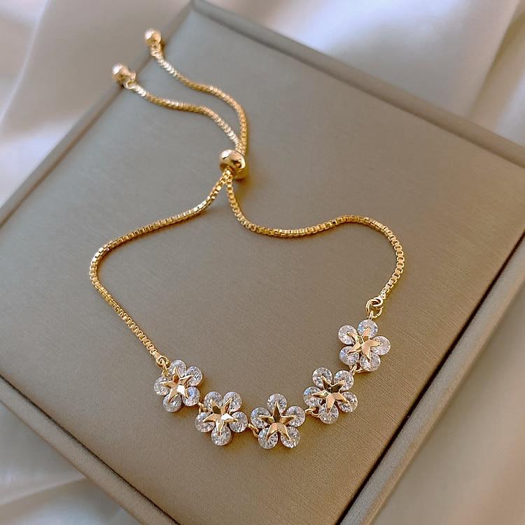 Bracelet fleurs en lumière