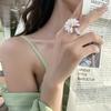2020-cor-en-nouveau-design-mode-bijoux-l-gant-blanc-daisy-peinture-pendentif-alliage-abeille-t