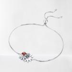 bracelet coccinelle et fleurs