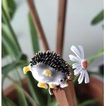 broche herisson fleur