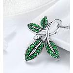 collier argent pendentif feuille pierres vertes